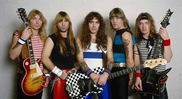 Cultura Pregunta Trivia: ¿Cuál de las siguientes bandas cambió varias veces de vocalista principal?