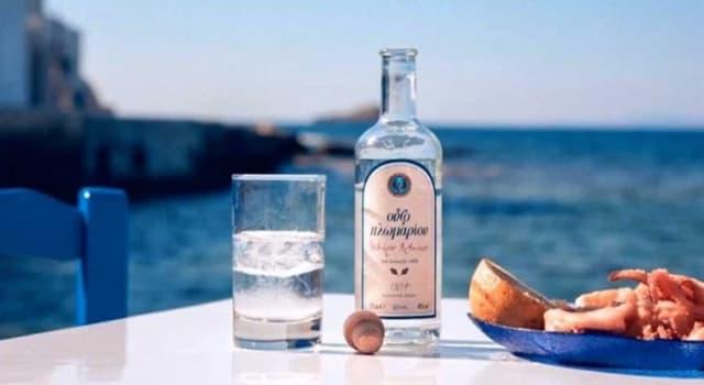 """Cultura Pregunta Trivia: ¿De qué país de Europa es originario el licor llamado """"Ouzo""""?"""