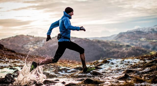 Deporte Pregunta Trivia: ¿Qué deporte consiste en correr por caminos de montañas, cerros y montes?