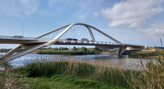 Geografía Pregunta Trivia: ¿Dónde está ubicado el Puente Nelson Mandela?