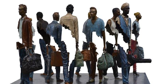 """Cultura Pregunta Trivia: ¿Dónde fueron expuestas las esculturas """"Los Viajeros"""" en 2013?"""