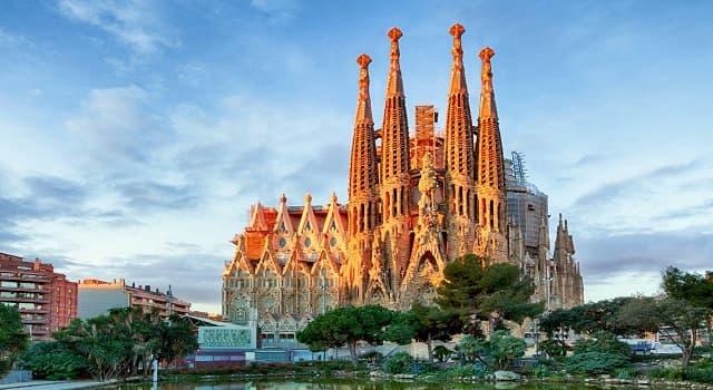 Cultura Pregunta Trivia: ¿En qué país se localiza el Templo Expiatorio de la Sagrada Familia?