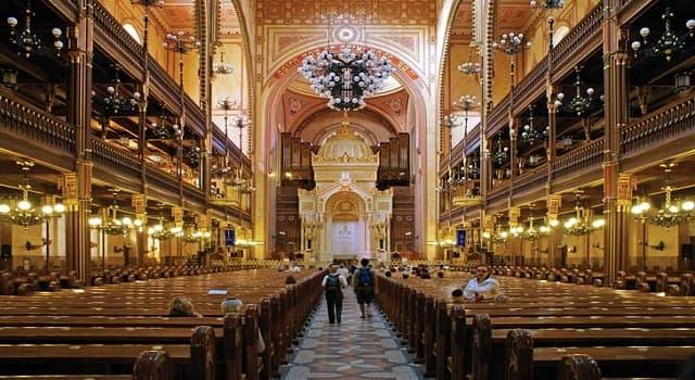 Cultura Pregunta Trivia: ¿En qué país se localiza la Sinagoga de la Calle Dohány, segunda más grande del mundo?