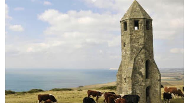 Geografía Pregunta Trivia: ¿Dónde se encuentra este inusual faro medieval?