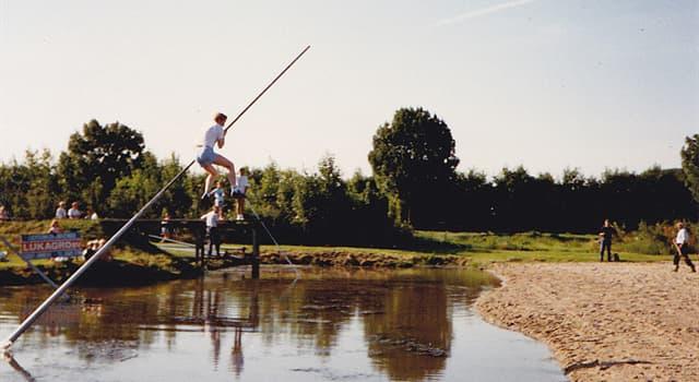 Deporte Pregunta Trivia: ¿En qué país es tradicional el fierljeppen, un deporte que consiste en saltar un canal o estanque?
