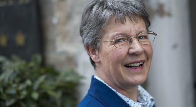 Сiencia Pregunta Trivia: ¿Qué descubrimiento realizó Jocelyn Bell Burnell?