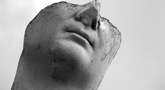 Historia Pregunta Trivia: ¿Qué famosa escultura fue dañada en 1991 por un perturbado?
