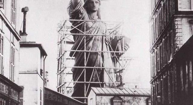 Cultura Pregunta Trivia: ¿Quién diseño y construyó la estatua de La Libertad en Paris?