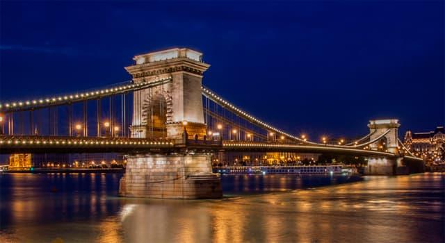 Geografía Pregunta Trivia: ¿Sobre qué río está ubicado el Puente de las Cadenas?