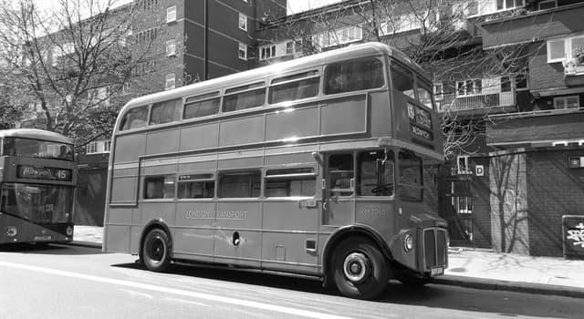 Sociedad Pregunta Trivia: ¿De qué color son los emblemáticos autobuses de dos pisos de Londres?