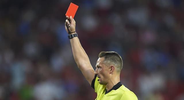 Deporte Pregunta Trivia: ¿Qué ocurre en un partido oficial de fútbol cuando se le muestra a un jugador la tarjeta roja?