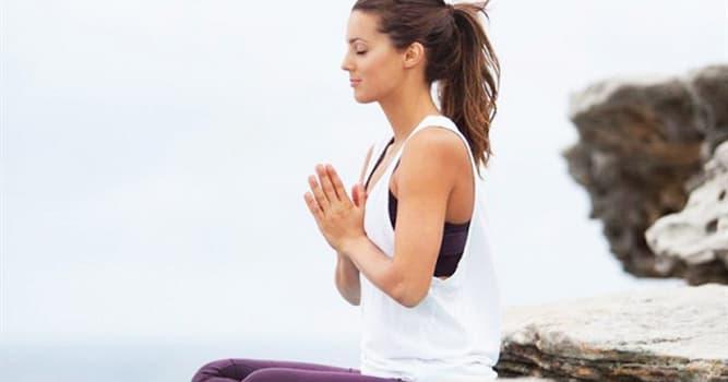 Cultura Pregunta Trivia: ¿Cuál de estas es una práctica corporal en la que se coordina postura, respiración y meditación?