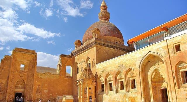 Geografía Pregunta Trivia: ¿En qué país está ubicado el palacio de Ishak Pasha?