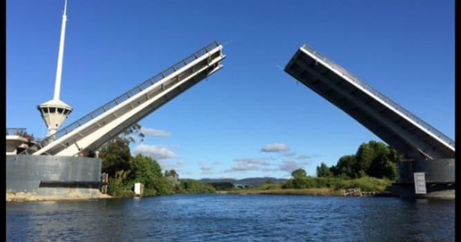 Geografía Pregunta Trivia: ¿En qué país se construyó el Puente Cau-cau?