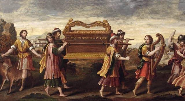 Cultura Pregunta Trivia: ¿Qué contenía el Arca de la Alianza según los evangelios?