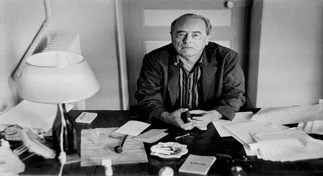 """Cultura Pregunta Trivia: ¿Qué escritor es el autor de novelas como """"Ferdydurke"""" y """"Trans – Atlántico""""?"""