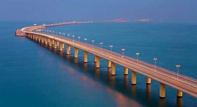 """Sociedad Pregunta Trivia: ¿Qué paises une el puente llamado """"Calzada del Rey Fahd""""?"""