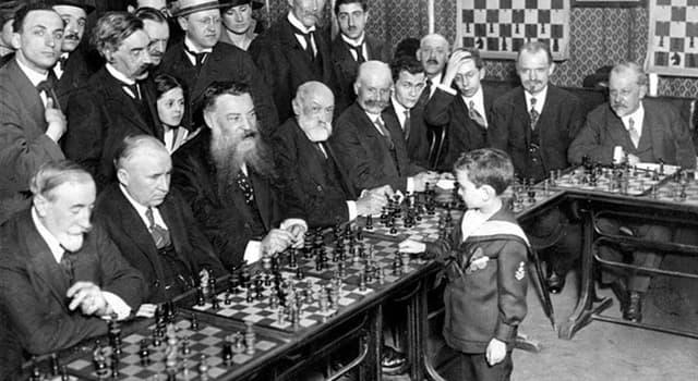 Deporte Pregunta Trivia: ¿Qué ajedrecista polaco fue niño prodigio del Ajedrez?