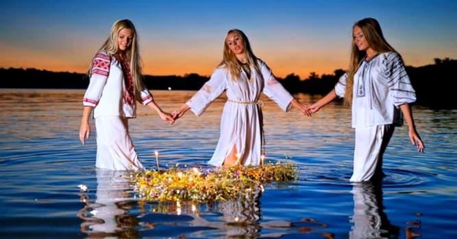 Культура Запитання-цікавинка: Яке рослина, згідно з легендою, розквітає в в купальську ніч?
