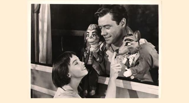 Películas Pregunta Trivia: ¿Cómo se llamaba la película protagonizada por Leslie Caron y Mel Ferrer?