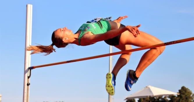 Deporte Pregunta Trivia: ¿Cuántos intentos pueden ser efectuados por un competidor sobre cada altura en las pruebas de salto en alto?