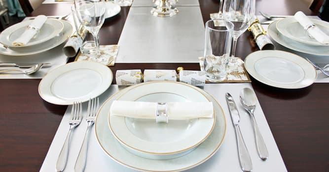 Cultura Pregunta Trivia: ¿En qué etapa de una comida se come una carlota (charlotte)?