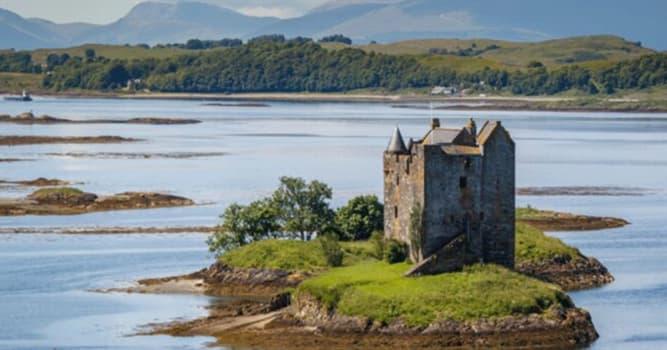 Geografía Pregunta Trivia: ¿En qué país se encuentra este castillo sobre una remota isla?