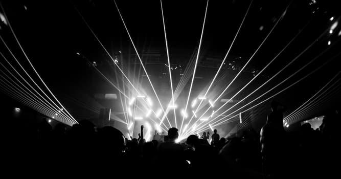 Cultura Pregunta Trivia: ¿Dónde surgió el techno, un género de música electrónica de mediados de la década de 1980?