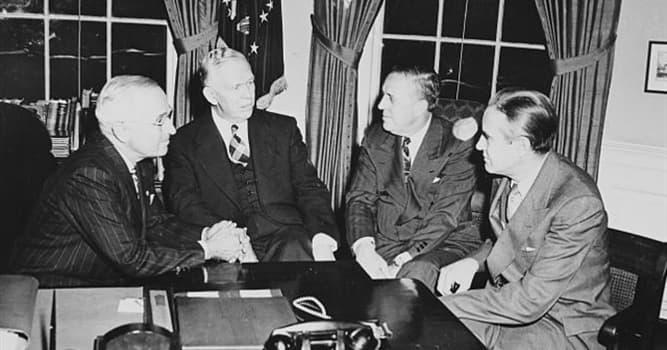 """Cultura Pregunta Trivia: ¿En qué consistió el """"Plan Marshall"""" de Estados Unidos?"""