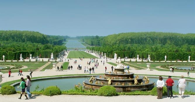 Geografía Pregunta Trivia: ¿Qué forma tiene el Gran Canal de Versalles?