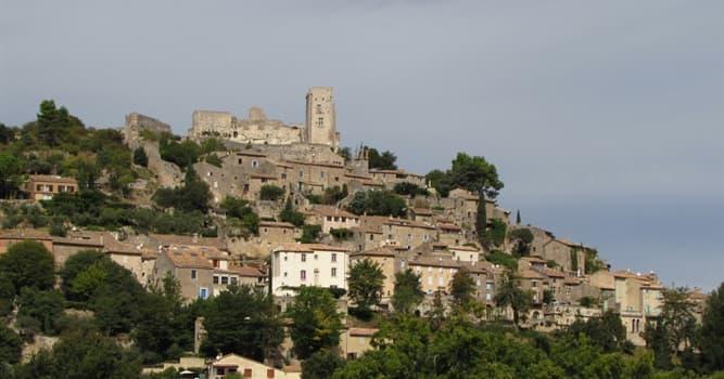 Historia Pregunta Trivia: ¿Qué personaje habitaba el castillo Lacoste enVaucluse?