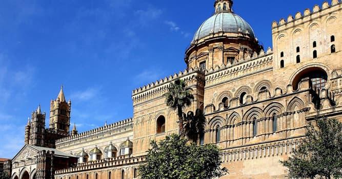 Kultur Wissensfrage: Welche Architekturform entstand in Sizilien?