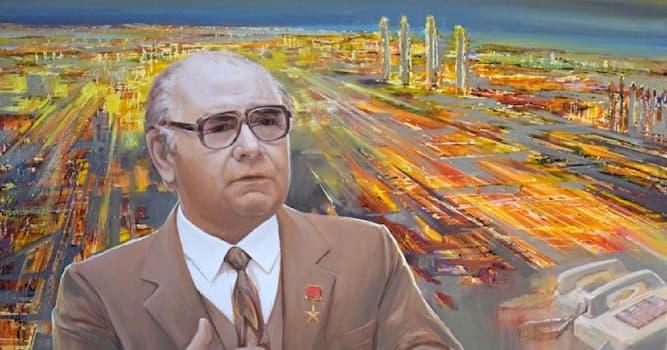 Культура Вопрос: Аэропорт какого города носит имя Николая Лемаева?