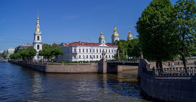 История Вопрос: Где в Санкт-Петербурге находится Семимостье?