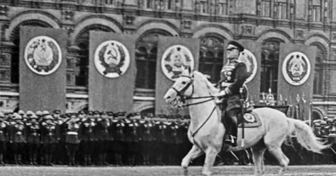 История Вопрос: Как звали коня, на котором Маршал Советского Союза Георгий Жуков принимал Парад Победы 24 июня 1945 года?