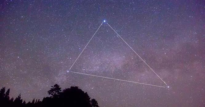Природа Вопрос: Какая звезда НЕ входит в астеризм Большой Летний Треугольник?