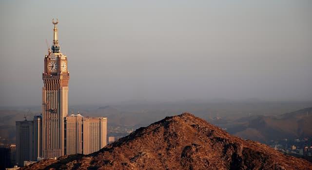 География Вопрос: Какое государство является крупнейшим на Аравийском полуострове?