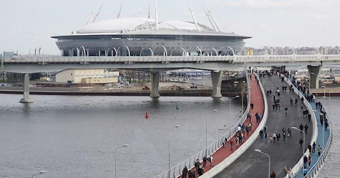 Общество Вопрос: Какой мост в Санкт-Петербурге построен для обеспечения пешей доступности стадиона на Крестовском острове?