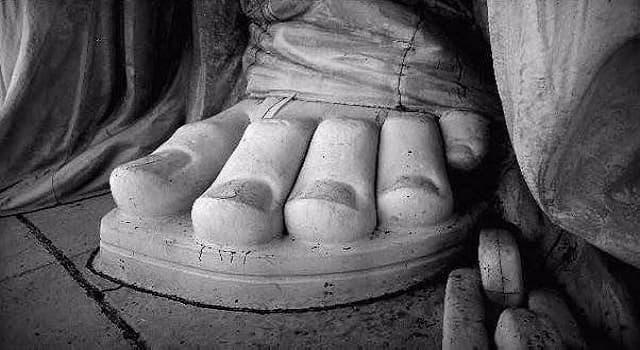 Культура Вопрос: Какой размер ноги у Статуи Свободы?