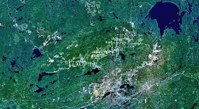География Вопрос: На территории какой современной страны расположен ударный кратер Садбери?