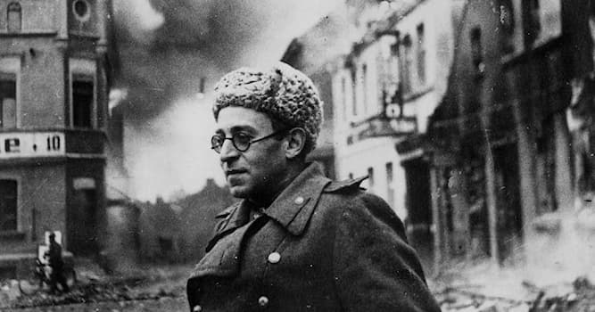 Культура Вопрос: В каком году роман Василия Гроссмана «Жизнь и судьба», написанный в 1950-х гг, был впервые опубликован в СССР?