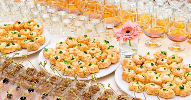Kultur Wissensfrage: Wie bezeichnet man eine kleine Vorspeise, die vor dem Essen gereicht wird, um den Appetit zu wecken?
