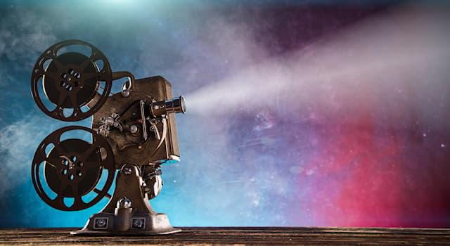 Кино Вопрос: Что нашёл бушмен Ки в пустыне в комедии «Наверное, боги сошли с ума»?