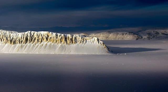 География Вопрос: Элсмир – это самый северный остров какой страны?