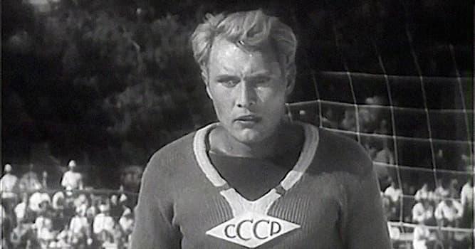 Кино Вопрос: Игроки какого футбольного клуба учаcтвовали в съёмах фильма «Вратарь» 1936 года?