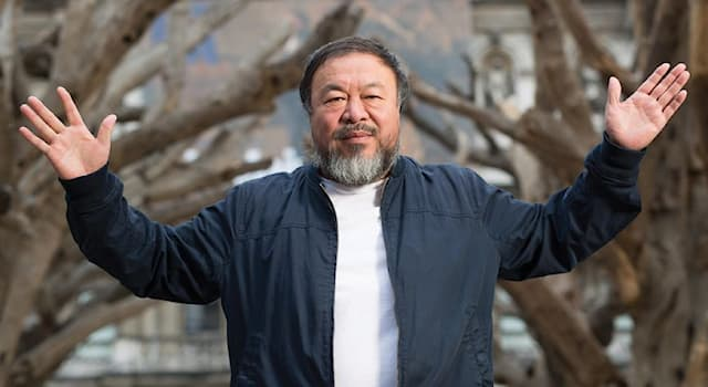 Culture Trivia Question: In 2010, the artist Ai Weiwei covered the Tate Museum's Turbine Hall with porcelain replicas of what?