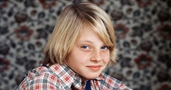 Movies & TV Trivia Question: In which film did Jodie Foster make her feature film debut?