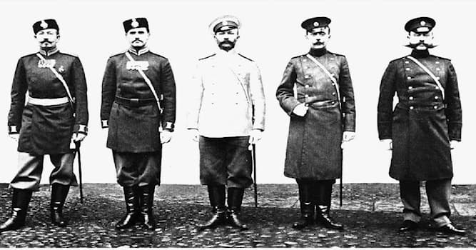История Вопрос: Как до революции 1917 года в Российской империи называли начальника уездной полиции?