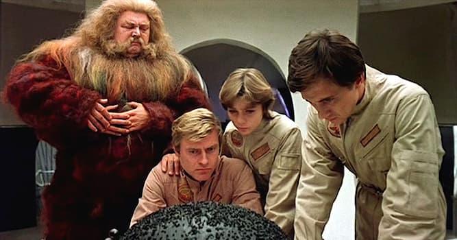 Культура Вопрос: Как называется детская фантастическая повесть Кира Булычёва, по которой в 1987 г. был снят одноимённый фильм?