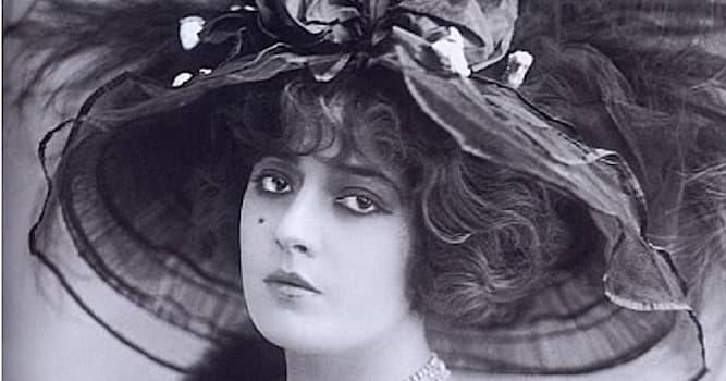 Кино Вопрос: Какая русская актриса немого кино начала XX века изображена на фото?